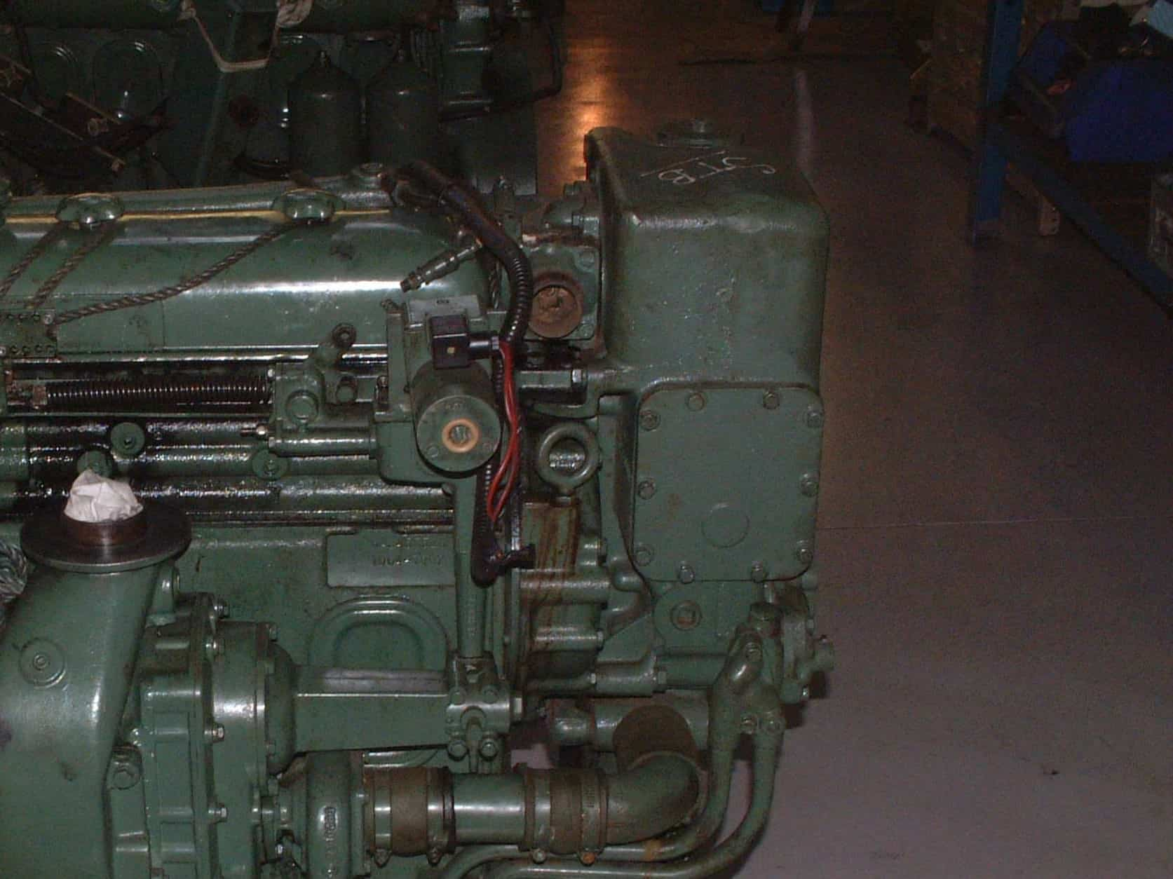 find detroit diesel engine model